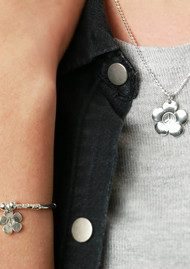 ChloBo Newbies Diamond Cut Chain With Peace Flower Pendant - Silver