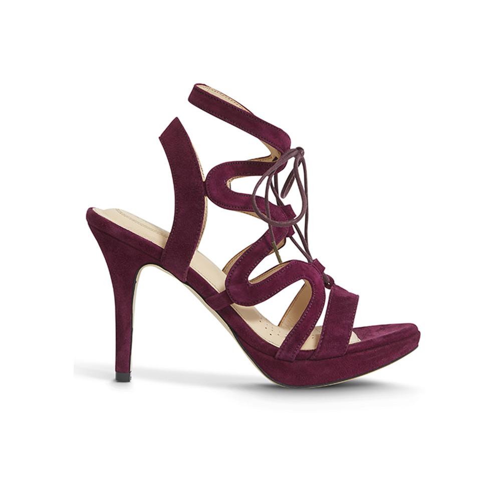 Chic Suede Heels - Burgundy
