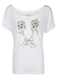 Language Of Flowers Daisy Innocence Boyfriend T Shirt - White